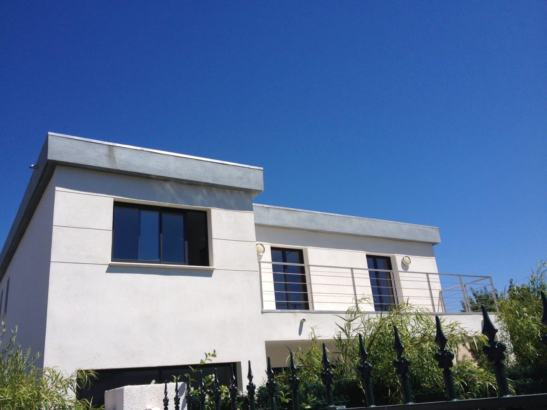 Maison contemporaine paca for Constructeur maison marseille